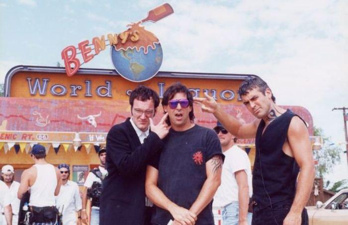 Фотографии со съемок фильмаОт заката до рассвета 1995 год Фотография, Фильмы, От заката до рассвета, Джордж Клуни, Роберт Родригес, Квентин Тарантино, Сальма Хаек, Длиннопост