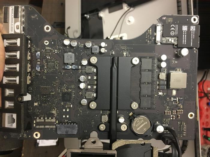 Установка родного SSD в iMac 21,5 2014 года или как Apple экономит 2 копейки на деталях Imac, SSD, Ремонт, Длиннопост, Жесткий Диск, HDD, Ремонт ноутбуков
