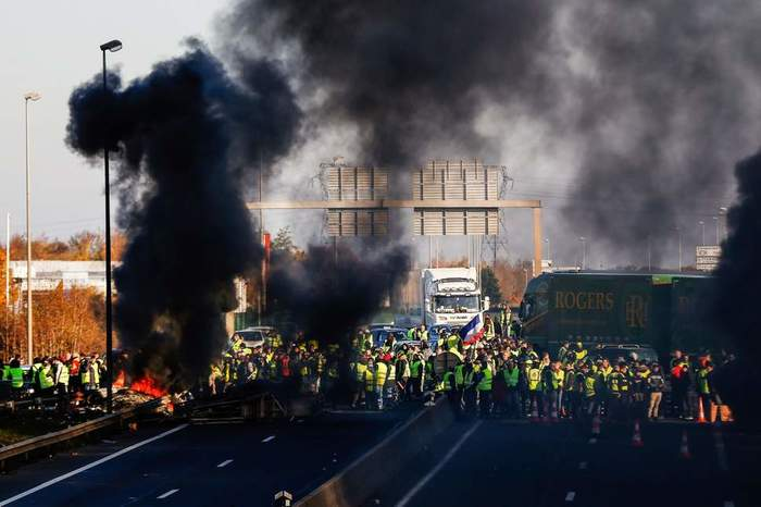 bbc france fuel unrest - HD 2500×1667