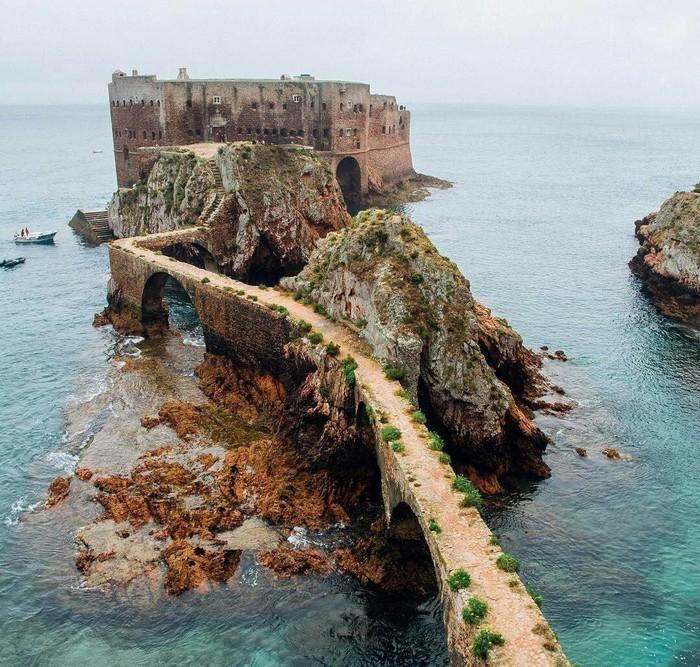 На побережье Португалии