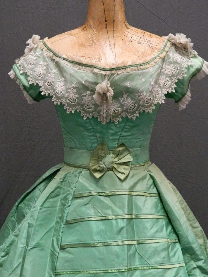 Смертельная мода. Как одежда и украшения убивали людей в прошлом Одежда, Яд, Мода, Платье, Краски, Мышьяк, Длиннопост