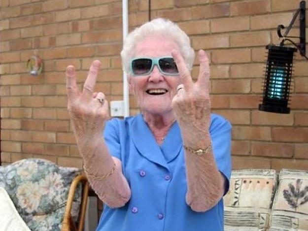 В Крыму 2 пенсионерки организовали бордель и заработали больше 91 млн рублей за 3 года. Крым, Сутенер, Бордель, Ялта, Пенсионеры, Длиннопост