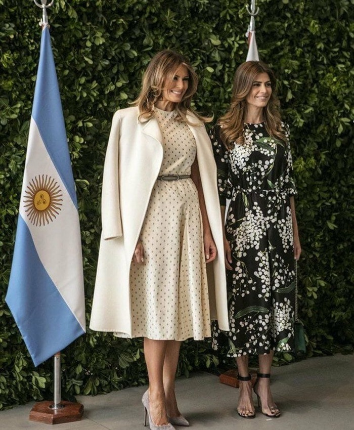 Первая леди США и первая леди Аргентины Мелания Трамп, Хулиана Авада, Сходство
