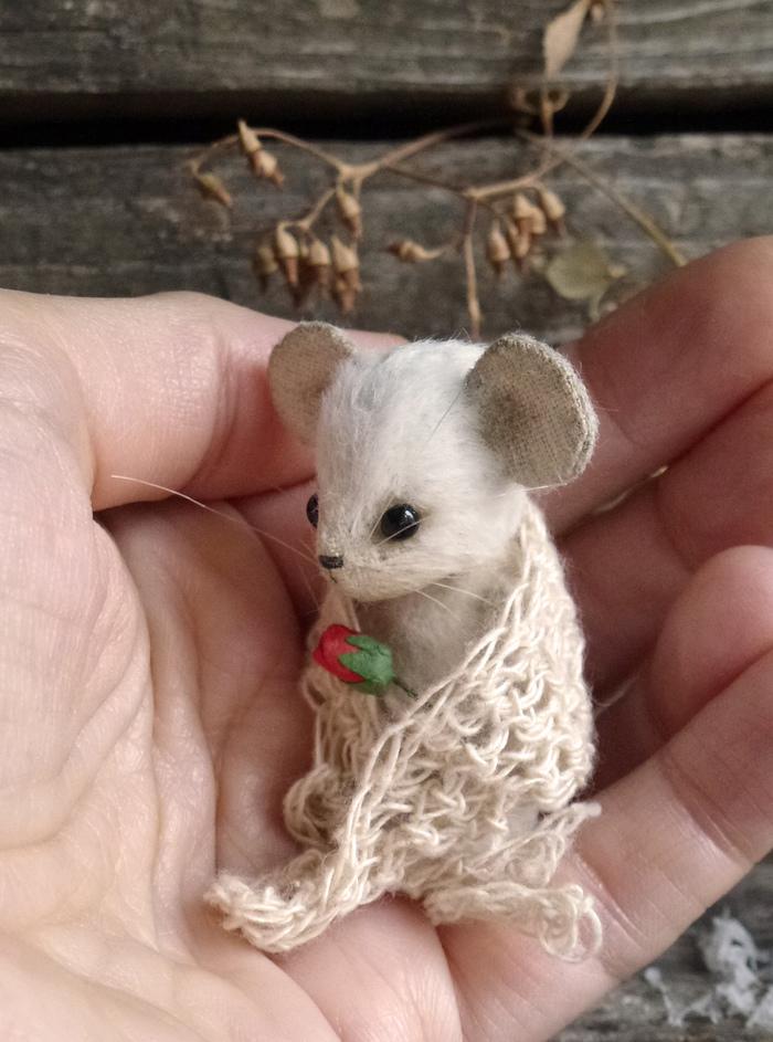 Мышонок и роза. Рукоделие, Рукоделие без процесса, Кошки-Мышки, Белая мышка, Длиннопост