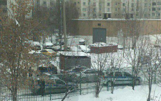 В московской школе старшеклассник угрожает покончить с собой. Детей эвакуировали Происшествие, Школа, Дети, Угроза, Негатив