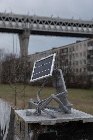 В Питере установили скульптуру посвящённую нехватке солнца. Санкт-Петербург, Дождь, Пасмурно, Скульптура, Солнечная батарея