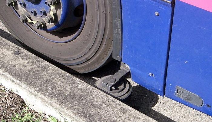 «Направляемый автобус» на бетонных рельсах видели? Автобус, Рельсы, Аделаида, Кембридж, Общественный транспорт, Видео, Длиннопост