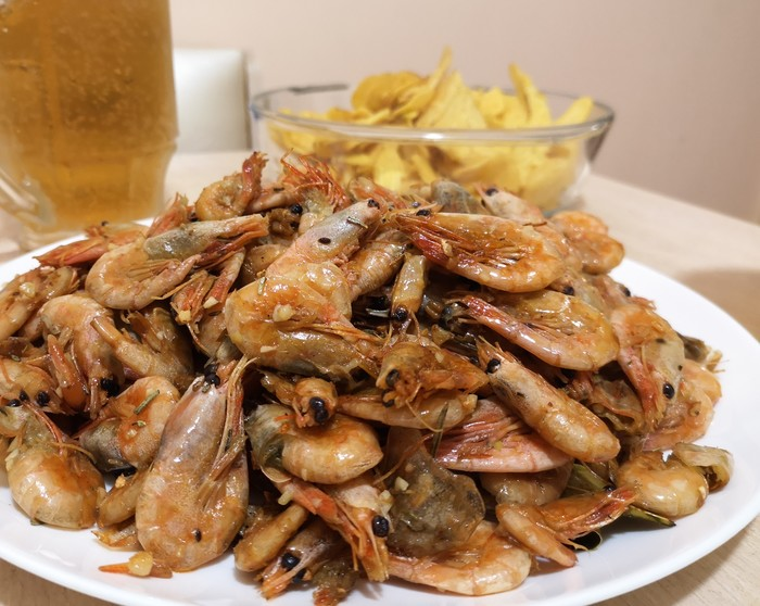 Жаренные креветки с чесноком. Кулинария, Выходные, Пиво, Готовим дома