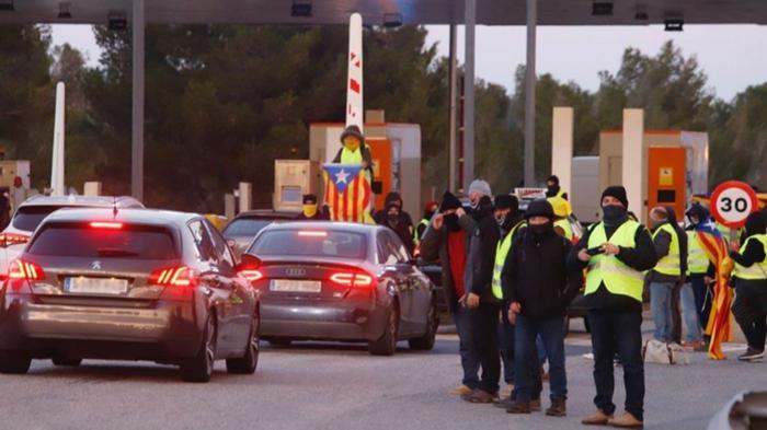 Протесты распространились на Черногорию, Каталонию(Испания), Нидерланды, Венгрию, Бельгию, Германию, Сербию,Болгарию Новости, Европа, Протест, Желтые жилеты, Длиннопост, Негатив