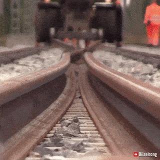 Установка железнодорожных рельс