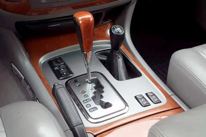 «Первые 500 тысяч километров вообще не было проблем». Как выглядит Lexus с миллионным пробегом. Авто, Lexus, Длиннопост, Фейк