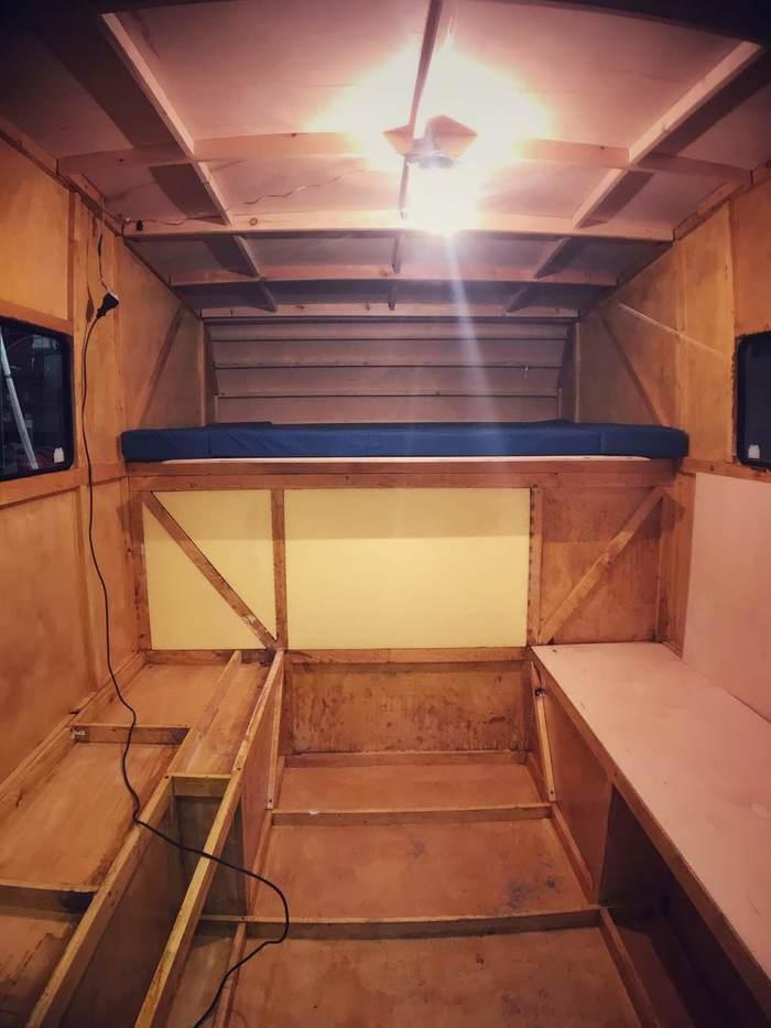 """Кемпер """"Пилигрим"""". Планировка мебели в автодоме. Автотуризм, Кемпер, Дом на колесах, Путешествия, Самоделки, Жилой модуль, Видео, Длиннопост"""