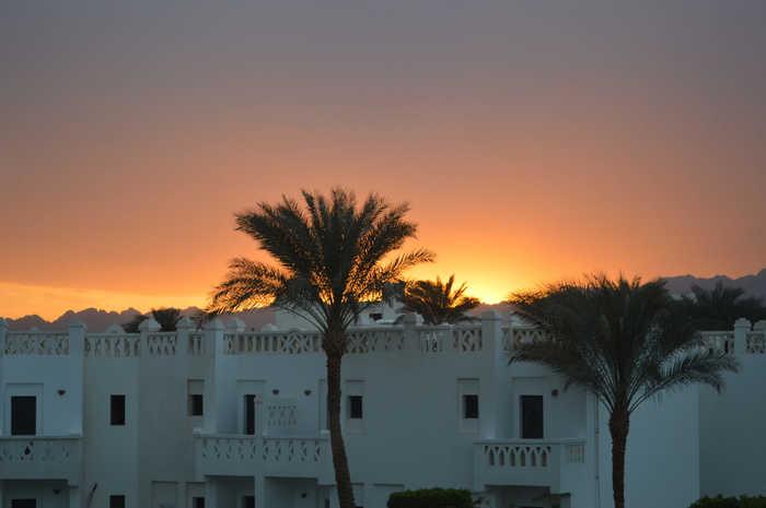 Красивый закат в Египте