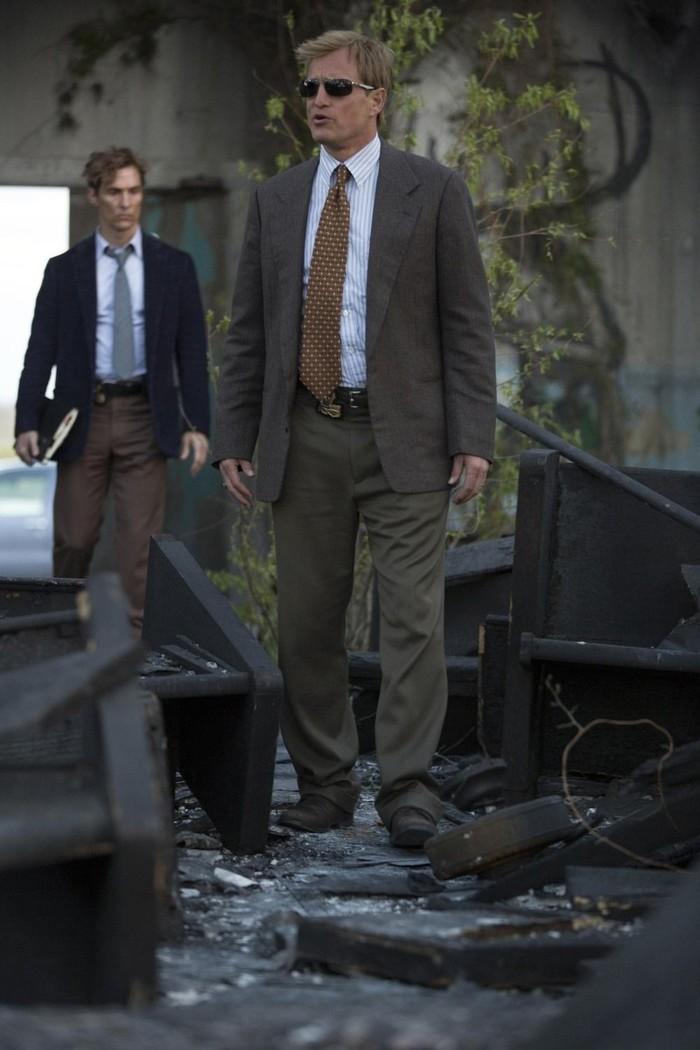 Кадры со съемок первого сезона «Настоящего детектива». Настоящий детектив, Мэттью Макконахи, Вуди Харрельсон, Сериалы, Фото со съемок, Длиннопост