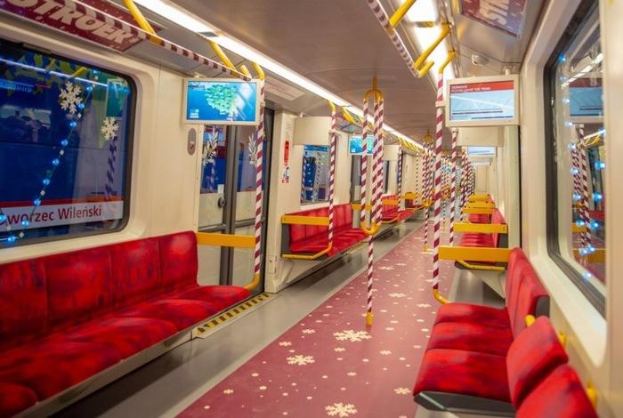 Рождественское метро в Варшаве