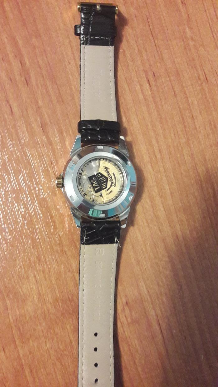 Кто может сказать какие часы? Их стлимость? И название? (И какой год если это возможно определить) Какие это часы?, Теги явно не мое, Длиннопост