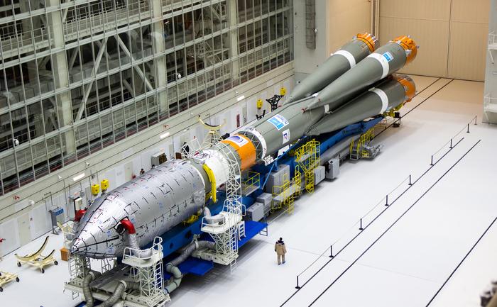 """Ракета-носитель """"Союз 2.1а"""" установлена на старт на космодроме Восточный Космос, Ракета, Космодром, Восточный, Союз, Видео, Длиннопост"""