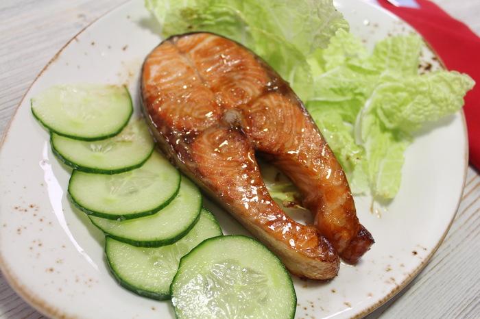 Самые простые стейки из лосося с соевым соусом в духовке без возни. Еда, Рецепт, Видео рецепт, Лосось, Форель, Семга, Видео, Стейк, Маринад