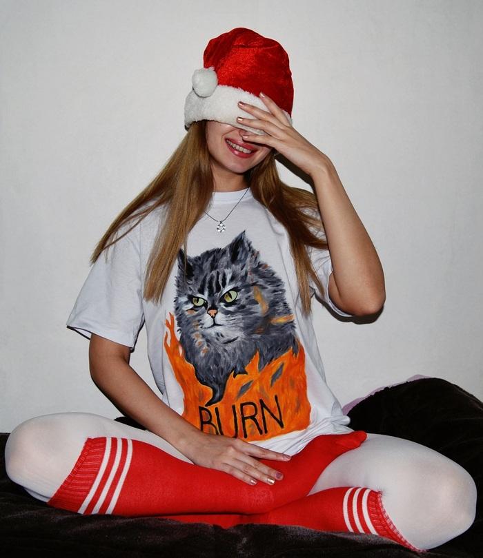Предновогодний котик на футболке
