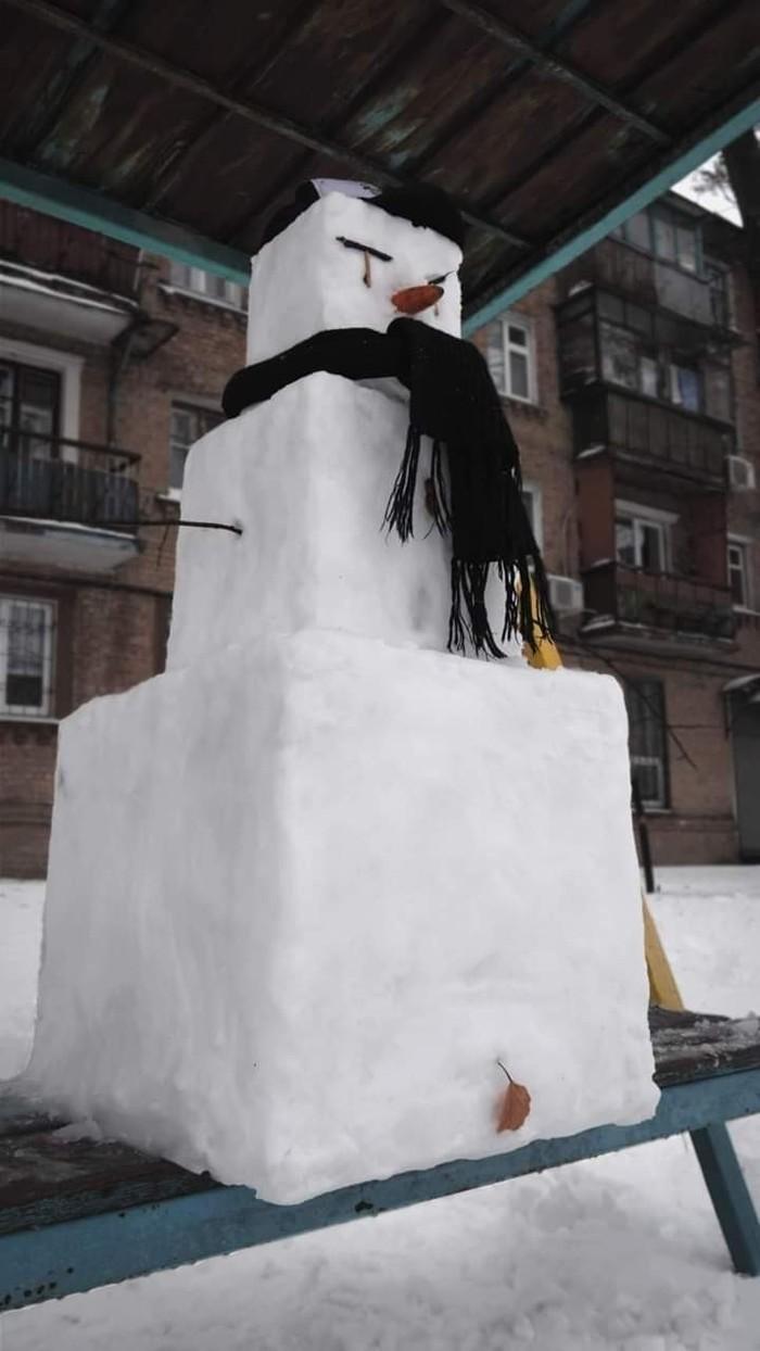 Квадратный снеговик
