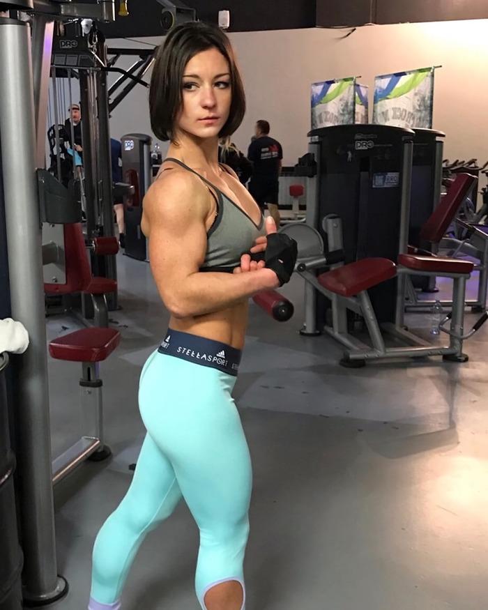 Елена (@lena_fitness_motivation) Lena fitness, Крепкая девушка, Девушки, Спортивные девушки, Гифка, Длиннопост