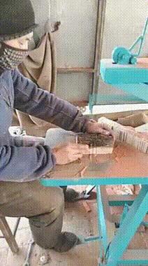 Деревянных дел мастер