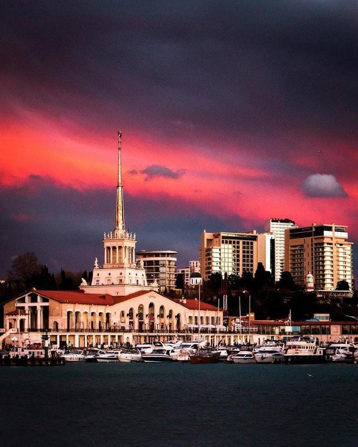 Морской вокзал города Сочи, 04.01.2019