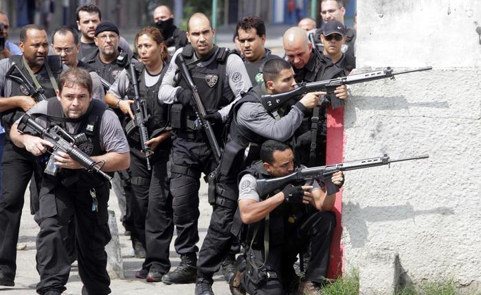 В Бразилии вооруженных бандитов будут убивать на месте Бразилия, Уличные банды, Полиция, Грабеж, Видео