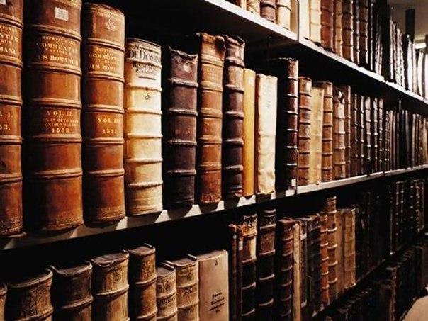 15 книг, написанных людьми с отличным чувством юмора Книги, Юмор, Позитив