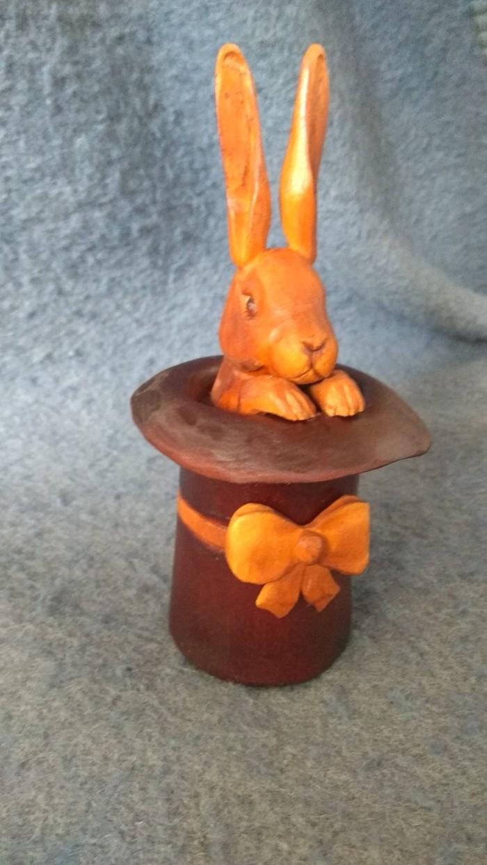 Кролик в шляпе. Маленький тайничек из дерева) Резьба по дереву, Ручная работа, Шляпа, Заяц, Woodcarving, Длиннопост