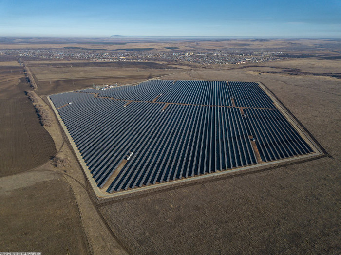 Самые крупные солнечные электростанции в России Солнечная энергия, Фотография, Энергетика, Солнечная Электростанция, Сэс, Солнечная батарея, Россия, Электричество, Длиннопост