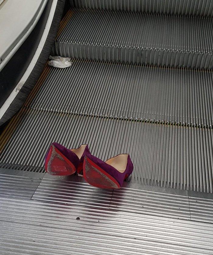 Как поломать эскалатор..