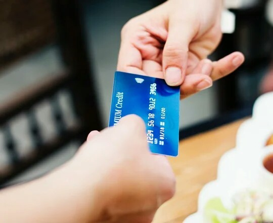 Как Сбербанк продает то, чего нет. Обман, Навязывание услуг, Сбербанк, Банковская карта, Кредитка