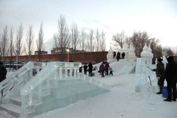 Забираю ребенка из бассейна, а там... Омск, Ледовый городок, Красота, Горка, Длиннопост, Ледяная скульптура
