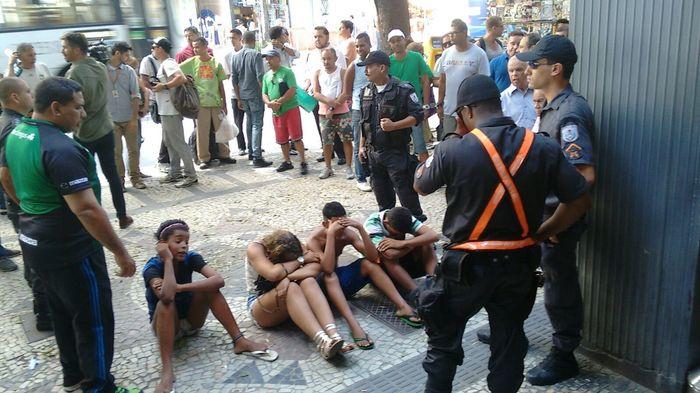 20 лет в Рио де Жанейро - 02 - Криминал, бандиты и фавелы Бразилия, Рио-Де-Жанейро, 20 лет в Рио, География, Фавелы, Криминал, Видео, Длиннопост