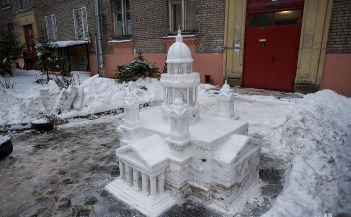 Петербургский пенсионер строит копии достопримечательностей из снега Санкт-Петербург, Снег, Скульптура, Пенсионеры, Из сети, Длиннопост