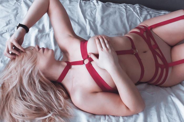 Red Клубничка, Девушки, Эротика, Портупея, Aliisaselezneva, Блондинка, Постель