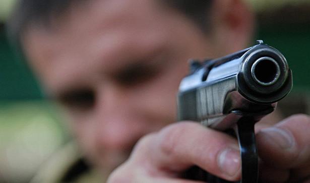 Москвич стрелял в вымогателей и протаранил их автомобиль Москва, Самооборона, Оружие, Преступление, Бандиты