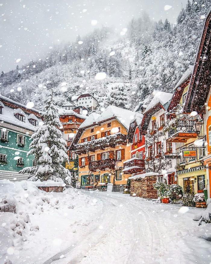 Халльштатт-одна из самых удивительных деревень Европы, где можно насладиться Рождеством.