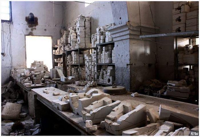 Заброшенный кукольный завод (18 фото) Кукла, Завод, Завод кукол, Кукольный завод, Заброшенный завод, Заброшенное, Длиннопост