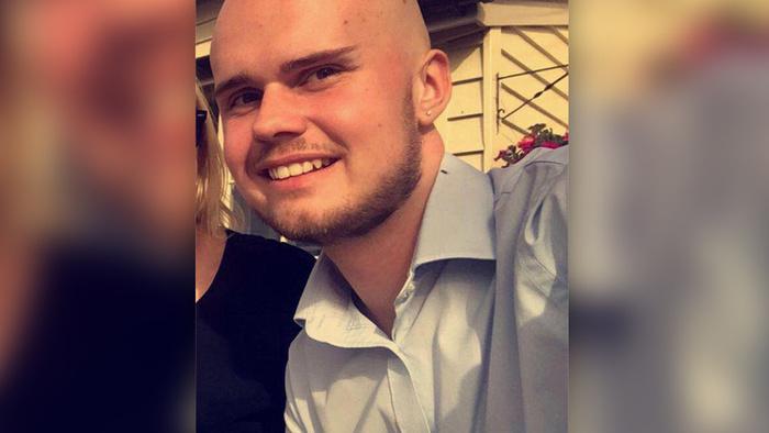 20-летний блогер разрыдался, потеряв айфон на вечеринке, и наутро убил себя Происшествие, Блогер