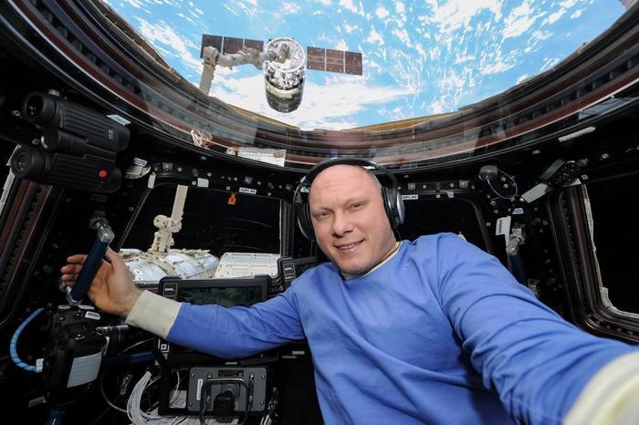 Суточные космонавта 26456 рублей в день. Олег Артемьев, Работа, Новости