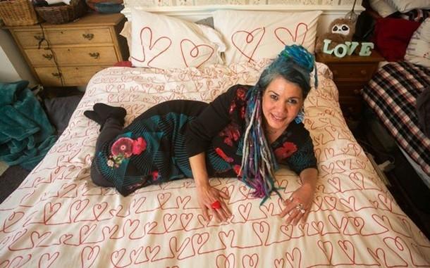 Британка обручилась с одеялом Свадьба, Помолвка, Женщина, Одеяло