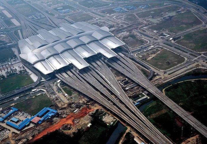 Гуанчжоу, Южный Вокзал (один из 4)