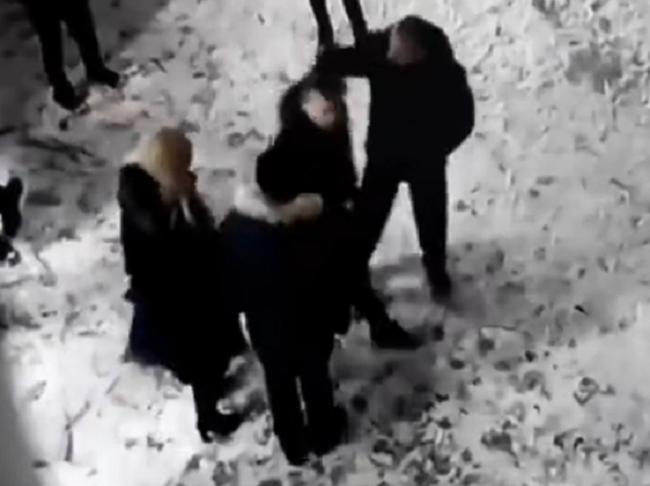 В Дзержинске заведующая школы вместе с мужем избили ученика Без рейтинга, Дзержинск, Педагогика, Школа, Избиение