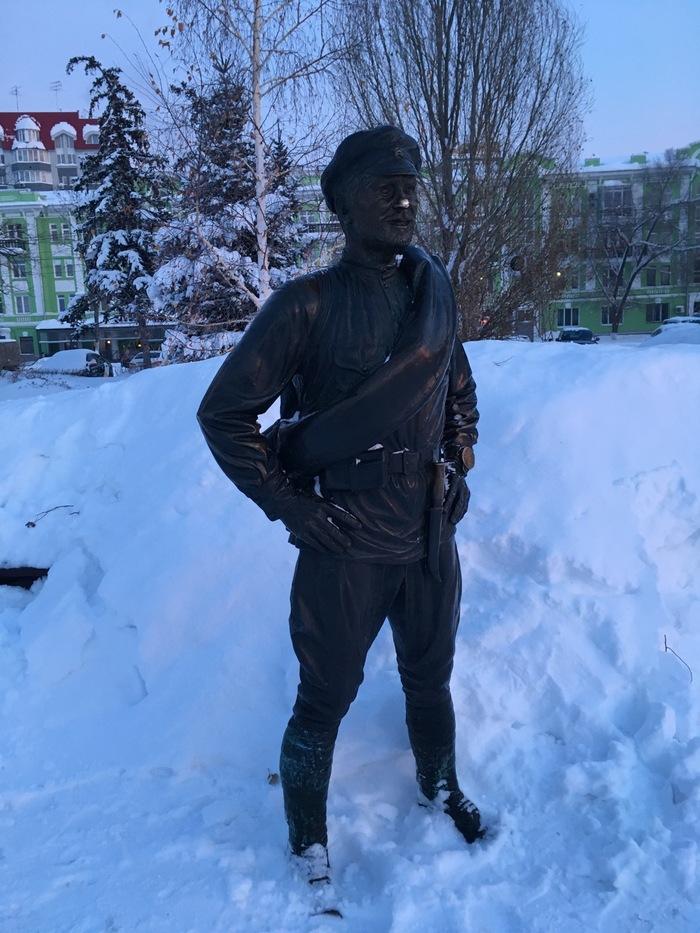 Товарищ Сухов в снегах Сухов, Самара, Набережная, Памятник, Снег, Белое солнце пустыни