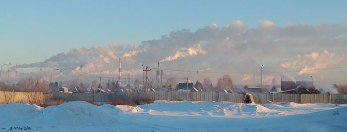 В Омске аномально низкая облачность Омск, Экология, Ус отклеился
