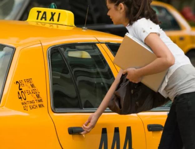 Женщина не хотела оплачивать проезд в такси, и донесла на водителя Ставропольский край, Такси, Девушки, Логика
