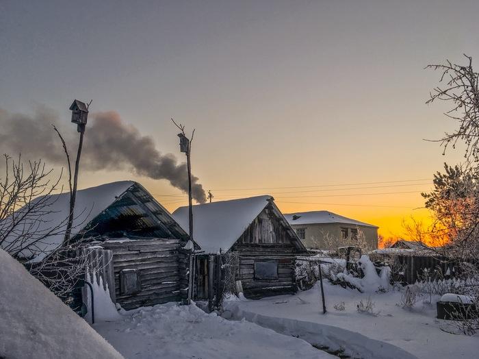 Зимнее утро в деревне. Фотография, Деревня, Зима, Баня, Дым, Рассвет, Iphone