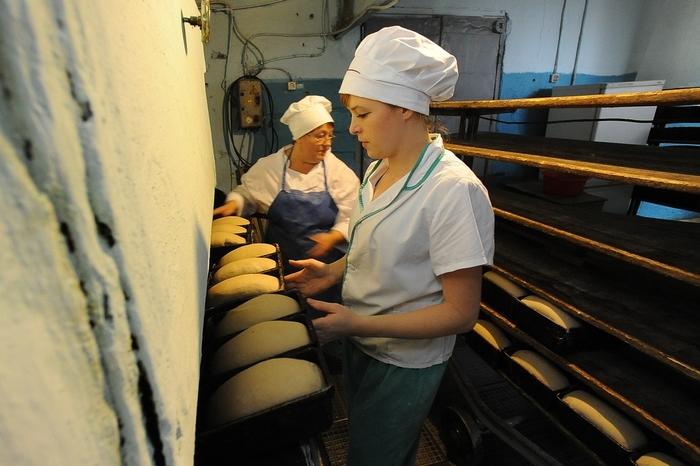 Чтобы обеспечить поселок хлебом, в сельской пекарне круглосуточно топят печь Челябинск, Хлеб, Еда, Фотография, Длиннопост